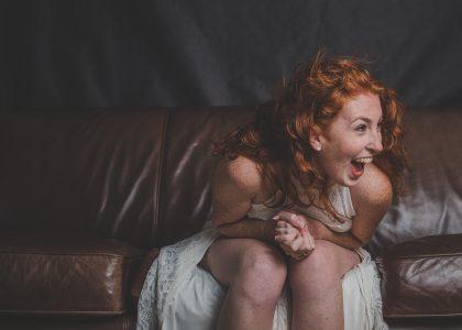 Achtsamkeit und Humor Frau_lachen
