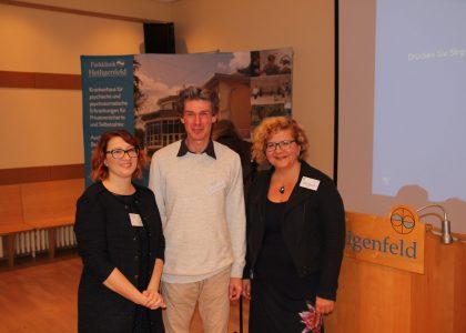 Foto (Sebastian Bünner): Bianca Reiß, Prof. Dr. Thilo Hinterberger, Dr. Cristina Pohribneac (v.l.n.r.)