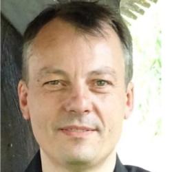 Foto Prof. Dr. Dr. Oliver Kayser